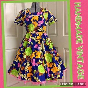 VINTAGE handmade FLORAL dress! 💙
